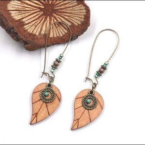 3️⃣@$30 Wooden Leaves Beaded Hoop Earrings
